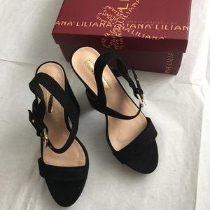 Liliana Gold buckle platform heels Black